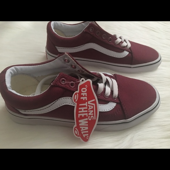 2c92d6e041b05c Brand New With Tags Vans Maroon